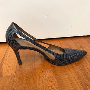 Ann Taylor Side Cut-Out Navy Snake Imprint Pumps